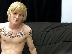 Training twinks and blondes front nude pics at Boy Crush!