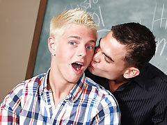 Gay porn twink gets fucked by hunk and naked gay football twinks at Teach Twinks