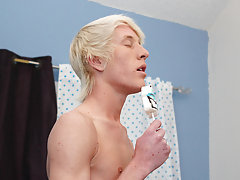 Conner receives down on his knees to suck Jeremy's 10-Pounder before the tall blonde returns the favor, cramming Conner's big dick in his mo