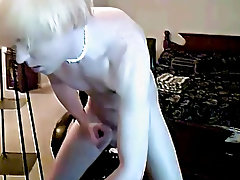 Twinks bent over pics and younger shirtless twinks - at Boy Feast!